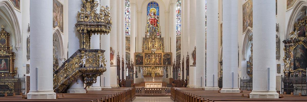 Innenansicht der Kirche Sankt Jakob in Straubing